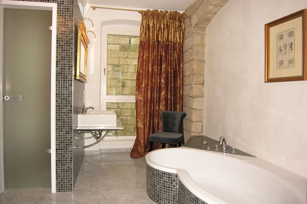 Apartment Dresden Badezimmer mit Badewanne