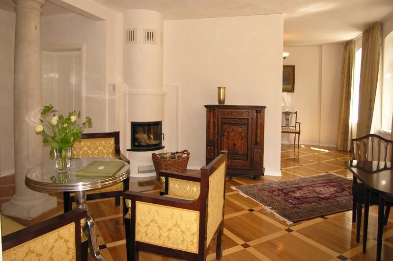 Apartment Meißen Wohnzimmer mit Kamin